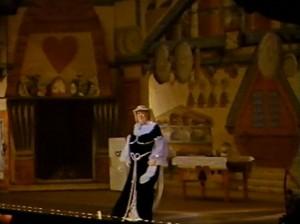 (132)-Florrie-Forde-performing-in-Edinburgh